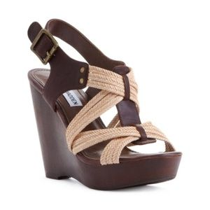 Steve Madden Tampaa Wedge - Size 7
